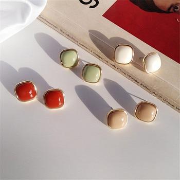 Retro fashion contracted earrings Joker metal earrings earrings geometric trend Beautiful ladies earrings wholesale