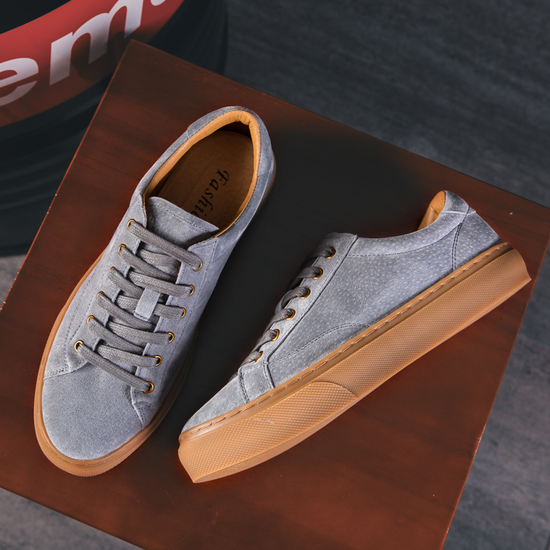 Ayakk.'ten Erkek Rahat Ayakkabılar'de Yomior Yaz Erkekler rahat ayakkabılar nefes alan loafer'lar Dantel Up Vintage Flats Hakiki Deri Seyahat Sneakers Lüks tasarım ayakkabı'da  Grup 1