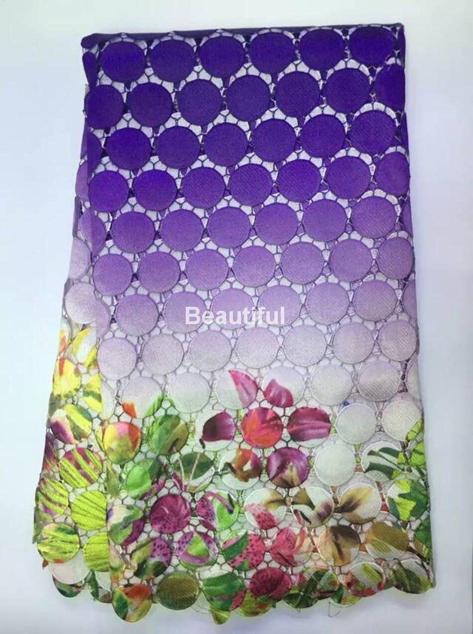 Alta qualidade New arrival roxo material de tecido de renda guipure  africano Nigeriano tecido cordão rendas para o vestido de casamento das  mulheres 5 ... 5d09e604fd2