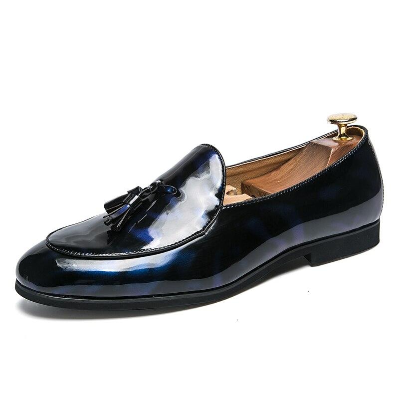 2018 Gentlemen Tassel Wedding Dress Male Flats Casual Slip on Shoes Black Patent Leather Blue Loafers Men Formal Shoes Moccasins