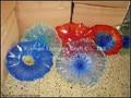 Настенные тарелки из муранского стекла в виде цветов ручной работы  синего и красного цвета
