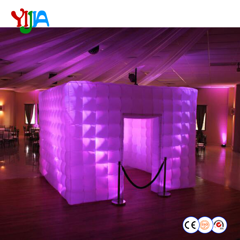Custom 210D oxford Inflatable Photo Booth Inflatable Cube Cabin Inflatable house With Multi color LED Light