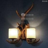 Лампы и светильники Фонари рога американский Страна Ретро Творческий смолы лампы ночники рога балкон бра FG723