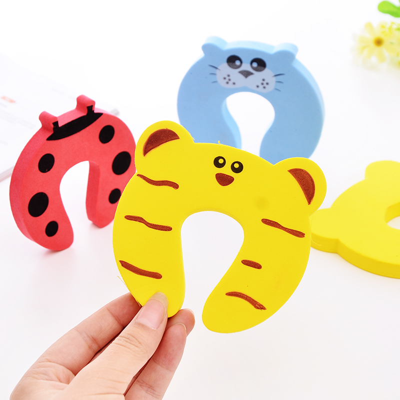 1PC Protection Baby Safety Cute Animal Security Card Door Stopper Baby Newborn Care Child Lock Protection baby safety protect anti guard lock clip edge eva animal patterns door clamp safe card door stopper