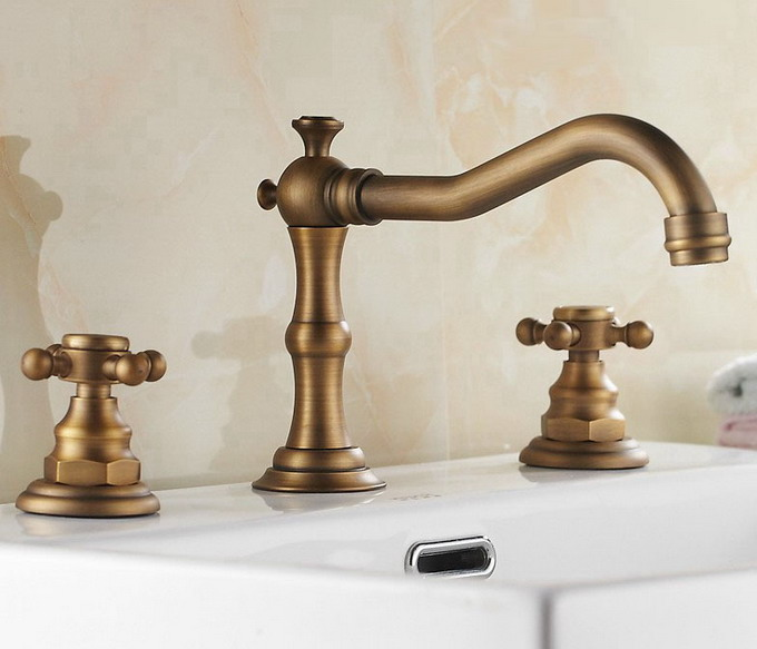 Antique Brass Double Cross Handles Three-hole Mount Widespread Bathroom Basin Mixer Tap / Tub Faucet Can026