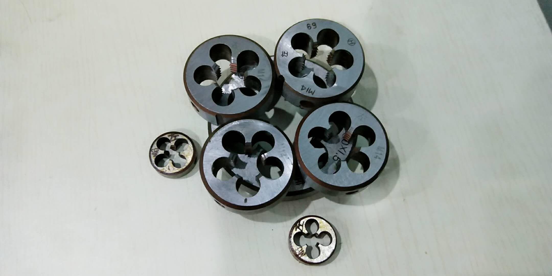 1PC metric circular die set M3 M4 M5 M6 M7 M8 M9 M10 M12-M33 wrench 9Sicr Circular Die  for screw tap