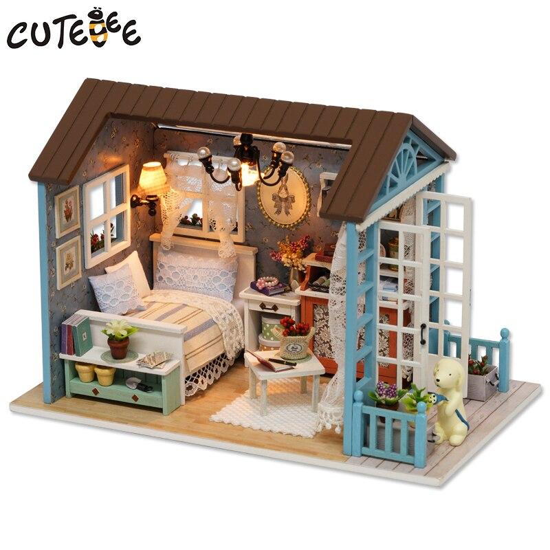 CUTEBEE Maison de Poupée Miniature BRICOLAGE Dollhouse Avec Meubles En Bois Maison Jouets Pour Enfants Cadeau D'anniversaire Z007