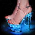 2017 Новое Качество Женщины Сандалии Свет Обувь Световой Супер Высокие Каблуки Сексуальные Дамы Блеск Туфли На Платформе Насосы Chaussure Femme