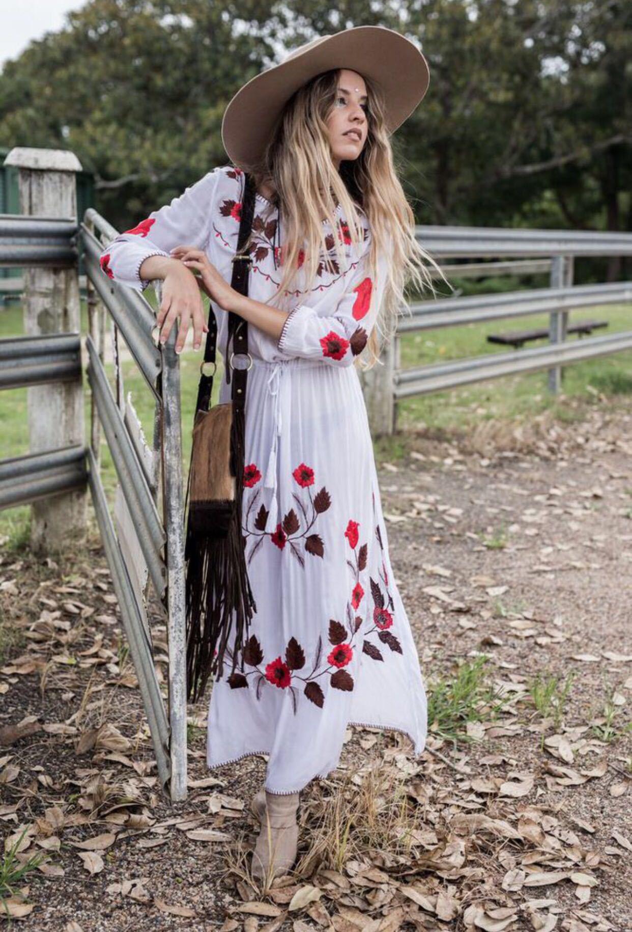 Vestidos blancos largos estilo hippie