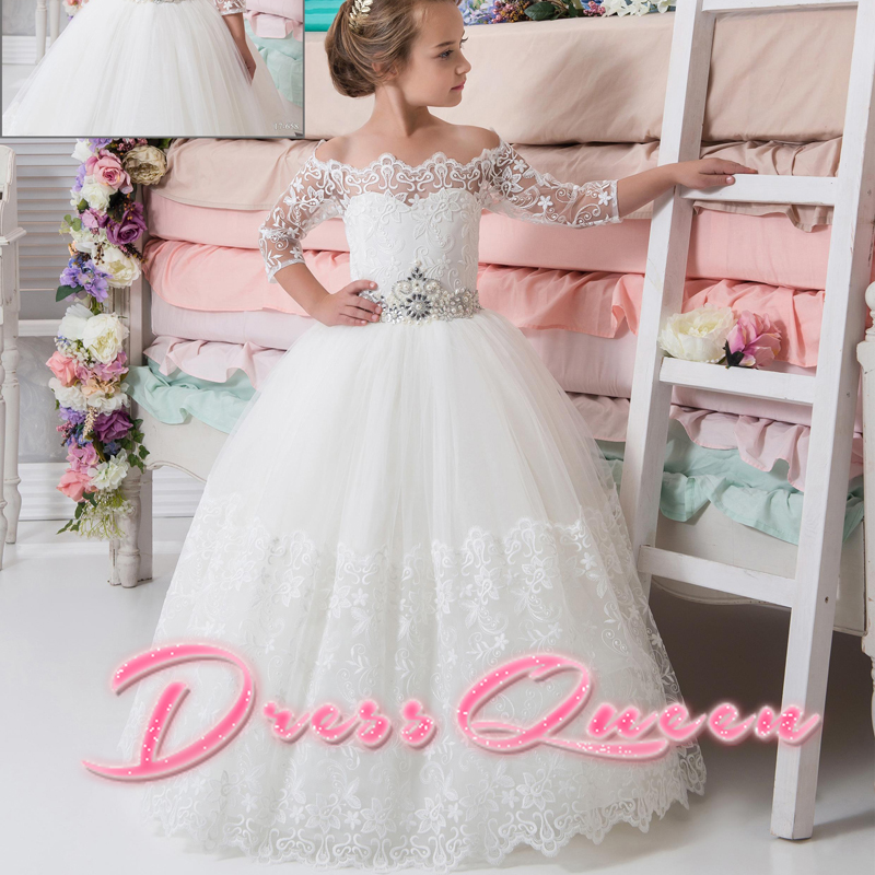 2017 New Flower Girl Dresses Appliques Beading Belt Off the Shoulder Ball Gown Three Quarter Formal Custom Make Communion Gowns 2017 new flower girl dresses appliques ball gown three quarter sleeves tiered puffy custom made first communion pageant gowns