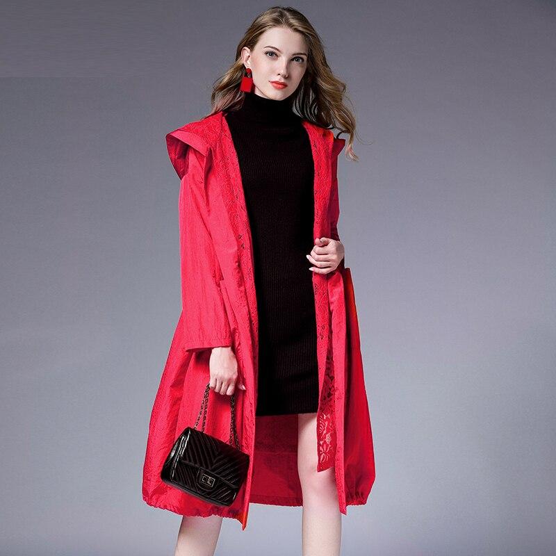 Printemps automne nouvelle grande taille à manches longues dentelle à capuche trench coat grande taille dames dessiner chaîne lâche dentelle élégant manteau rouge noir
