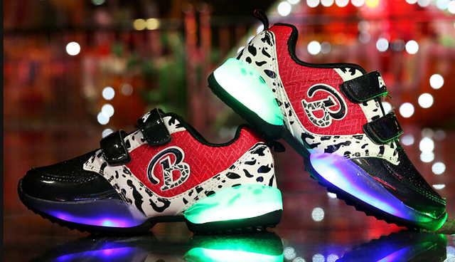 2016 New European fashion high quality LED light baby sneakers Cool boys girls lovely baby shoes hot sales baby shoes