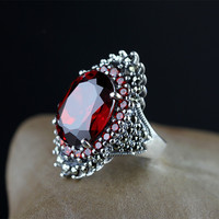 Ms. Thai silver retro finger ring 925 sterling silver inlaid red garnet noble palace paragraph