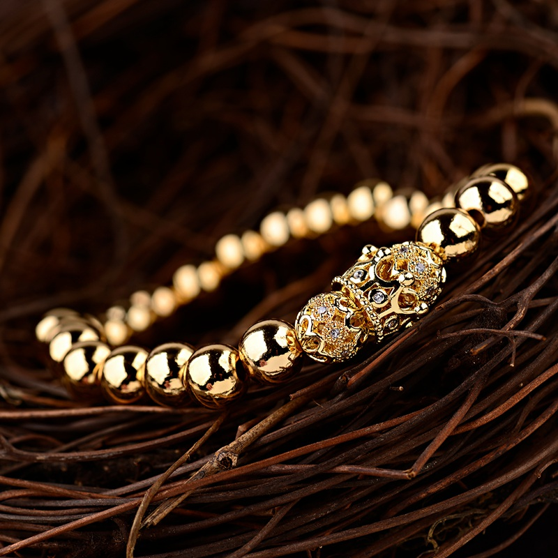 HTB1BVkDbinrK1RjSsziq6xptpXa9 - Gold Crown coupe bracelets 2pcs set