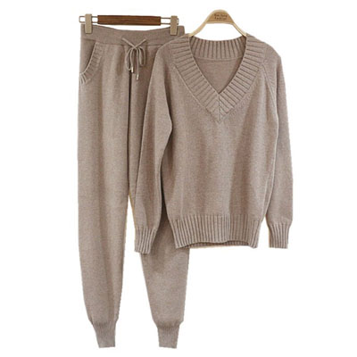 4f47b451c7d34 Sweater Sets Suit 2 Piece Knitted Set 2018 Women Winter Knitted Sweaters  Pants Sets Tracksuits Knitted Trousers Set Jumper Tops-in Women s Sets from  Women s ...