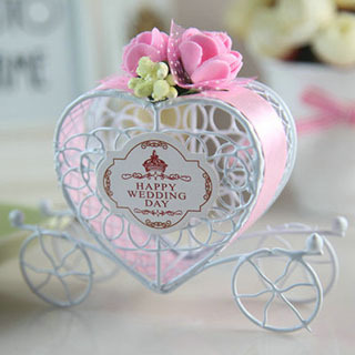 50Pcs Lot Free Shipping Personalized Hollow Carriage Wedding Favor Boxes And Gifts Baby ShowerWedding DecorationWholesale