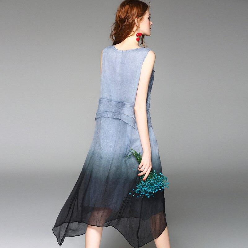 Wysokiej jakości 100% jedwabiu sukienka z tkaniny kolor gradientu aplikacje bez rękawów, luźne proste sukienki elegancki styl nowy mody 2017 w Suknie od Odzież damska na  Grupa 3