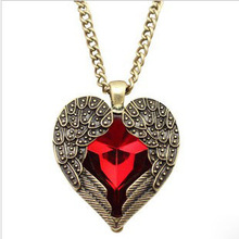 Angel Wing Pendant Necklaces Red Crystal Heart Long Chain Sweater Necklace Women Jewelry 2017 Accessories