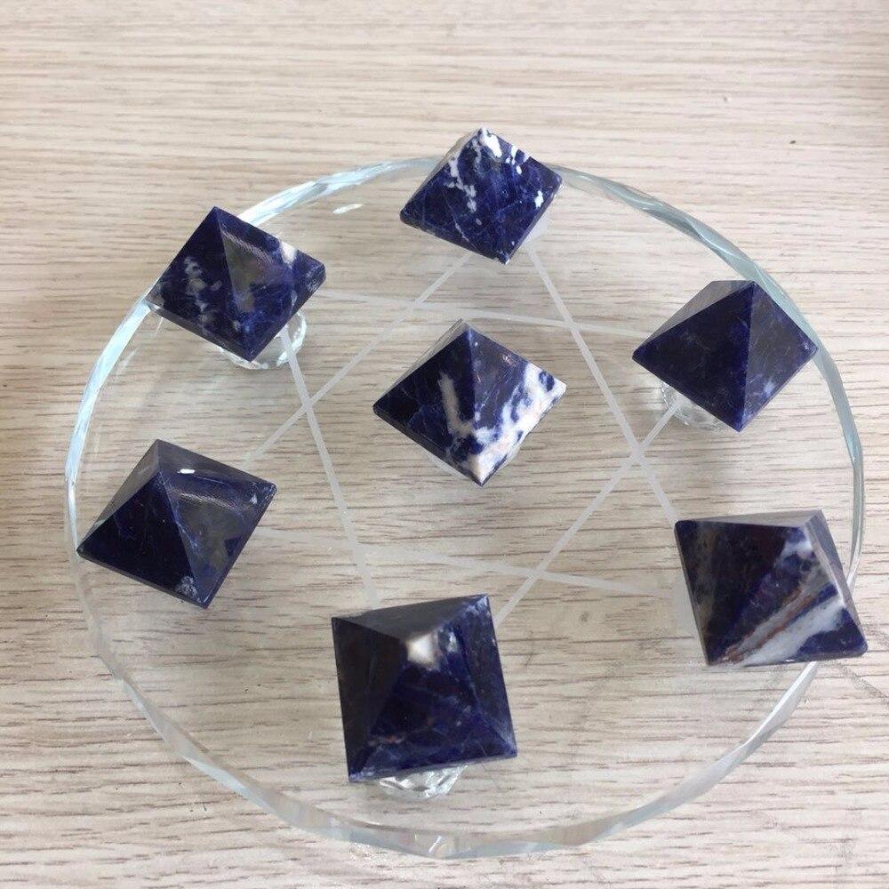 Groupe de pyramide de pierres précieuses en cristal sodalite bleu naturel avec support méditation reiki cristal de guérison décor à la maison