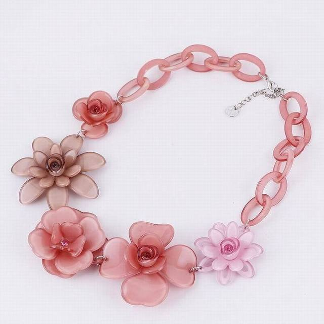2016 Hot Sale Collier Jewelry Anime New Popular Fashion Women Colorful Acrylic Flower Necklace Charm Necklaces And Pendants Gift