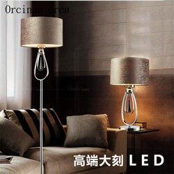 Postmodernistyczna minimalistyczna szara lampa podłogowa living lampka nocna do pokoju w stylu europejskim osobowość twórcza LED lampa pionowa w Lampy podłogowe od Lampy i oświetlenie na