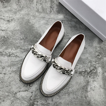 2019 Spring genuine Leather casual shoes women metal Chain decor Flat heel round toe concise loafers shoes women chaussure femme все цены