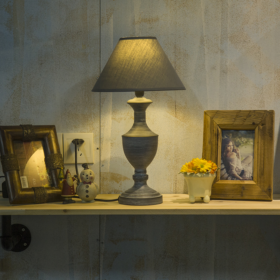Classic vintage table lamp iron lamp body fabric shade for Room and board lamps
