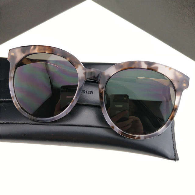 1eb647a34f6 2017 New Gentle Monster Unisex Sunglasses Lovesome Tale Mirror  Anti-Reflective UV400 Design Women