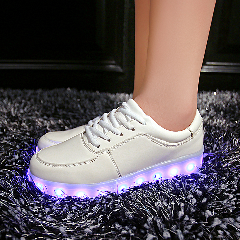 7ipupas-Luminous-led-shoes-Usb-charge-lights-up-sneakers-boy-girl-glowing-sneakers-Neon-11-colorfull-Fluorescence-Kids-Led-shoes-1