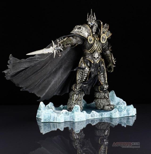 цена на WOW Character FALL OF THE LICH KING ARTHAS ACTION FIGURE Model Toy 21CM