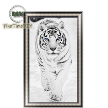 FineTime White Tiger 5D DIY Diamond Painting Partial Drill Diamond Embroidery Cross Stitch Animal Mosaic Painting finetime white tiger 5d diy diamond painting partial drill diamond embroidery cross stitch animal mosaic painting
