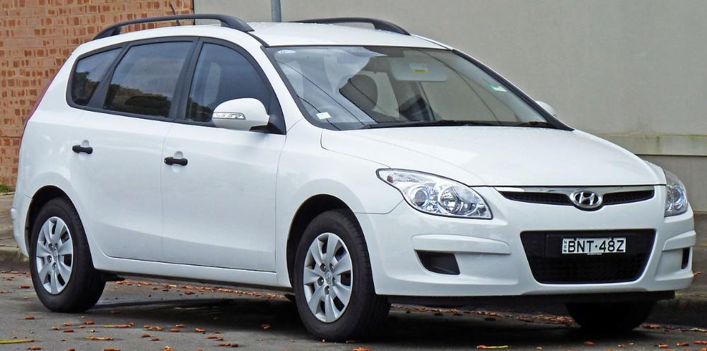 1280px-2009-2010_Hyundai_i30cw_wagon_01