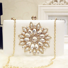 White Ladies Crystal Evening Bag Diamond Rhinestones Novelty Pink Luxury Women Clutch Bag Pearls Beaded Day Clutch Women's Purse pink apple shape evening purse diamond crystal party clutch women wedding luxury bag fruit fashion ladies purse handbag sc146 b