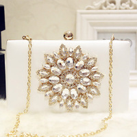 White Ladies Crystal Evening Bag Diamond Rhinestones Novelty Pink Luxury Women Clutch Bag Pearls Beaded Day Clutch Women's Purse