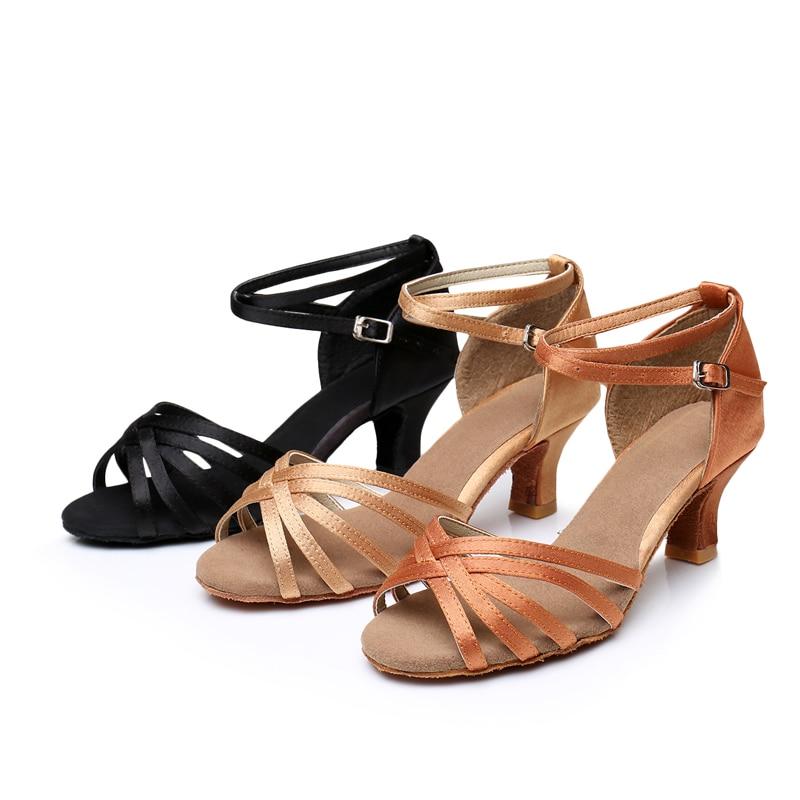 Sneakers Sko til kvinder Rumba Engros Brand New Women sko Ballroom Latin Tango Dance Sko Kvinder Sandaler Satin 5 CM hæl