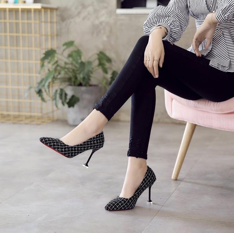 Chaussures Peu Chat noir De D'explosion Nouvelles 2018 Simples Talons Automne Avec Bouche Femmes Profonde Dames rouge Modèles Stiletto Haute Pointu Beige nwNZ0POkX8
