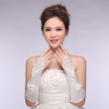2016 Hot Cheap Appliques White Ivory Transparent Lace Fingerless Bridal Gloves Wedding Gloves Wedding Accessories