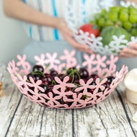 New Creative High Quality Metal Fruit Basket Flowers Retro European Storage Basket Flower Candy Basket Debris Desktop Storage