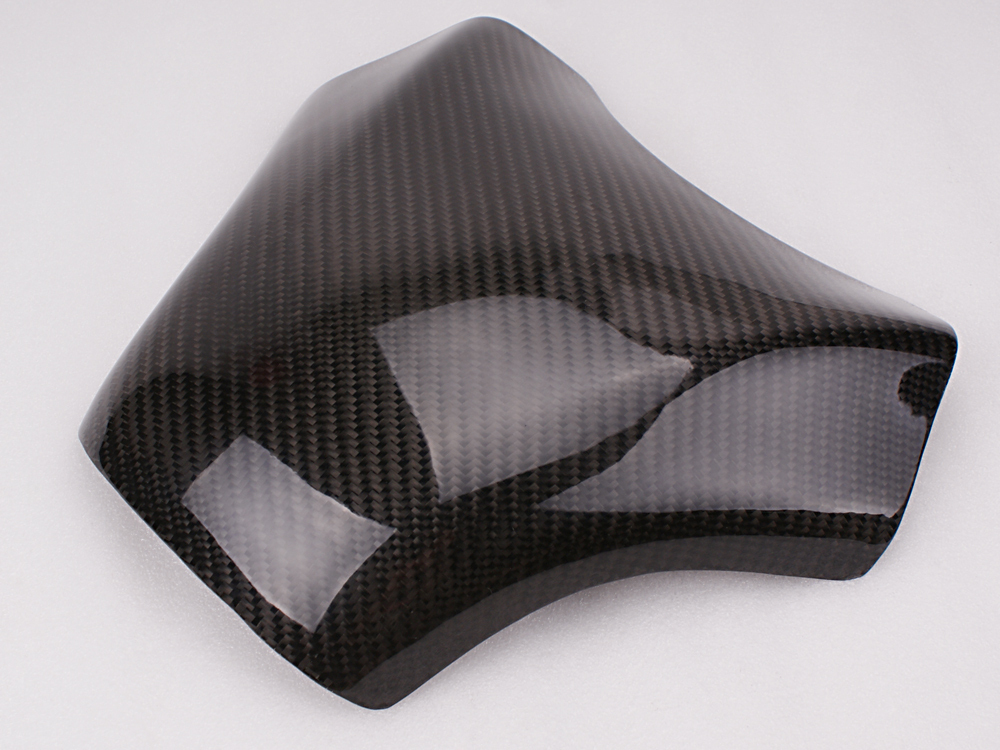 Freeshipping Carbon Fiber Fuel Gas Tank Protector Pad Shield For Kawasaki ZX10R 2004-2005 black color motorcycle accessories carbon fiber fuel gas tank protector pad shield rear carbon fiber for kawasaki z1000 03 06