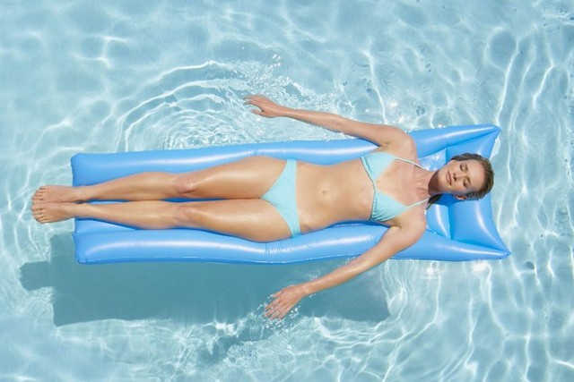 Safety High Quality Island Holiday Water Sports Intex Pvc Inflatable Surfing Floating Air Bed Beach Mat