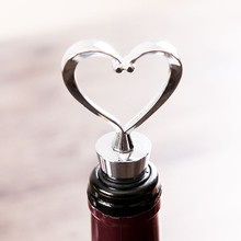 Heart Wine Bottle Stopper Wedding Favors and Gifts Decorative Personalized Stainless Steel Vacuum Sealed Wine Bottle Stopper
