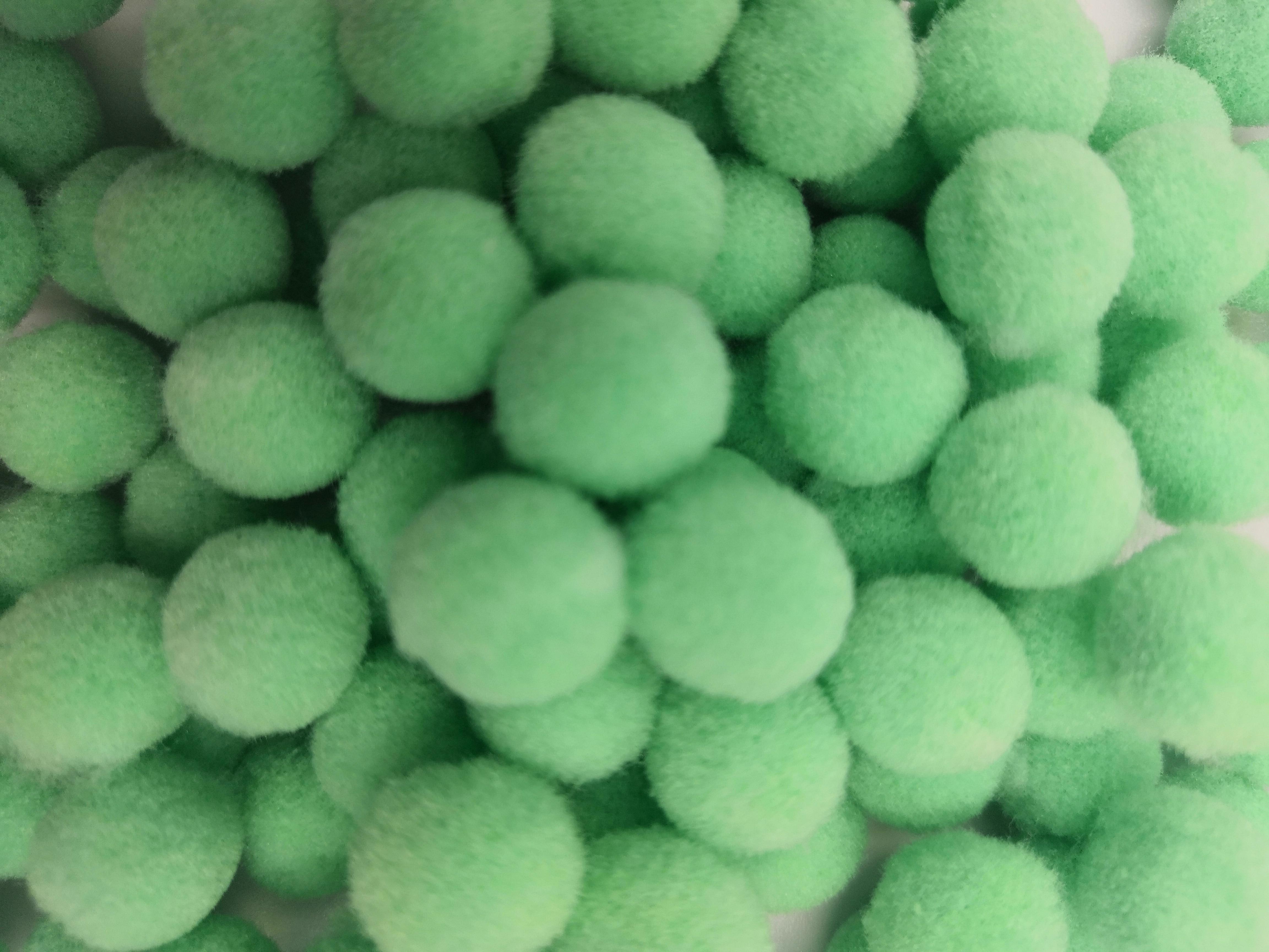 100Pcs bag 10 15 20 25mm Mini Fluffy Soft Pom Poms Pompoms Ball Handmade Kids Toys Wedding Decor DIY Sewing Craft Supplies in DIY Craft Supplies from Home Garden