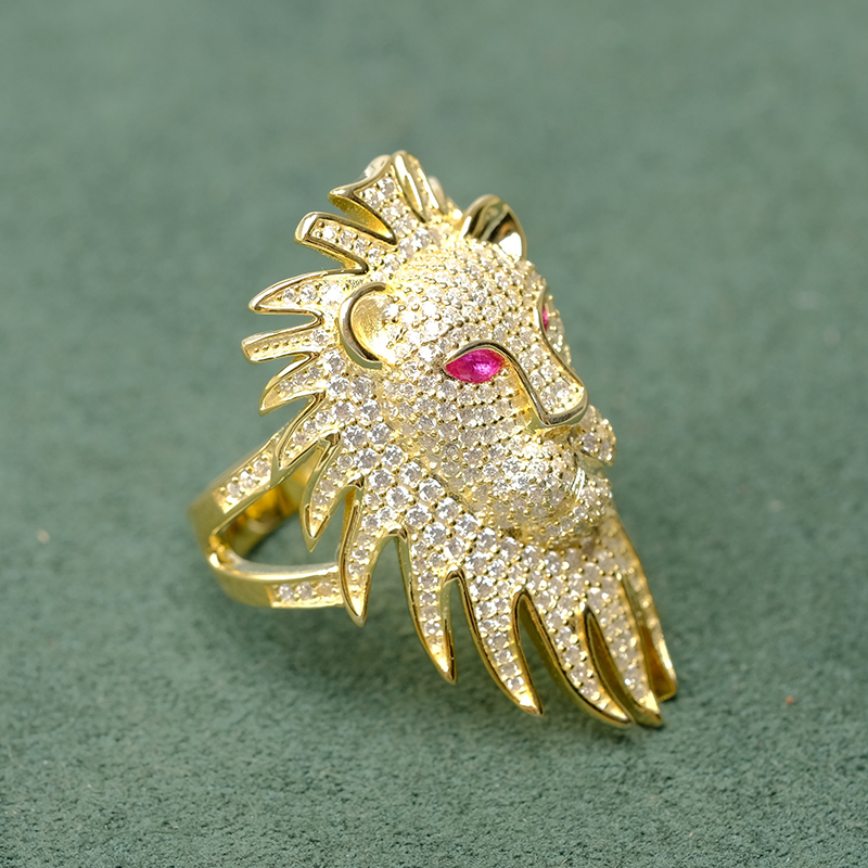Local focal  silver 925  Bright and delicate lion ring