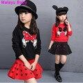 Malayu última moda outono meninas ambas as mãos Do Bebê arco remendo camisola + pedaço oco saia equipado anime dos desenhos animados do terno para 3-8 Y