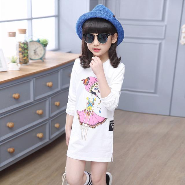 2016 nova primavera crianças T - camisa dos desenhos animados coreano boneca apoio de manga comprida camisa no longa fenda hem uma geração