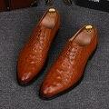 Hombres de la moda británica zapatos de piel de cocodrilo en relieve de cuero genuino oxfords zapato de la boda de oficina punta estrecha verano zapatos hombre