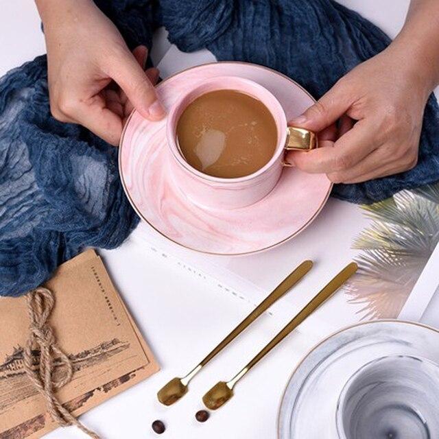 יוקרה תבנית אריחים קרמיקה ספלי קפה כוס צלוחית סטי בוקר ספל חלב קפה תה ארוחת בוקר כוס חרסינה עם כפית צלחת