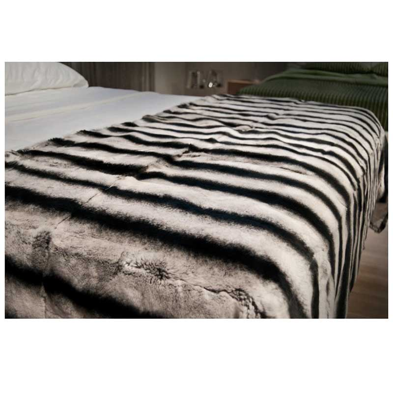 chinchila-bedcover-rex-rabbit-fur-blanket-fur-home (1)