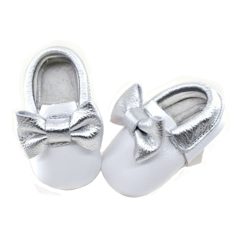 2018 white with silver Tassels baby shoes leather Soft Bottom Fashion Baby Girl Shoes Moccasin Newborn infant First Walkers