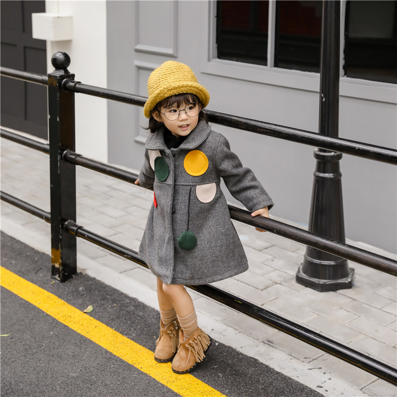 Female child child autumn winter 2017 new Korean version of the all-match windbreaker style children long coat thickness the explosion of the classic all match solid colored body hip high elastic denim pants feet female winter bag mail